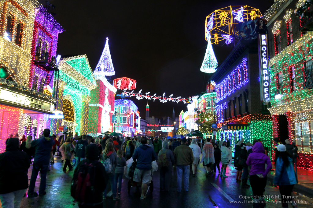 Sunday January 3rd, 2016 the original final night of the Osborne Lights at Disney's Hollywood Studios. A cold and rainy evening under the Osborne Family Spectacle of Dancing Lights on the Streets of America backlot.
